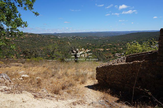 Plot of land on hilltop with nice views near Loule