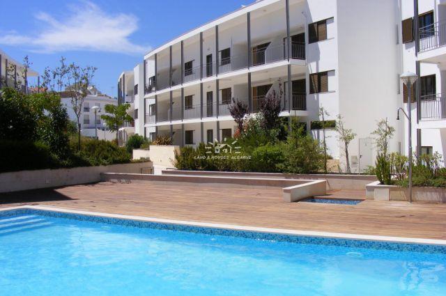 Luxus Penthouse-Wohnung mit Pool und Garage in Tavira