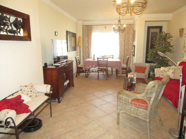 Immaculate two bedroom/two bathroom apartment with large garden in Tavira