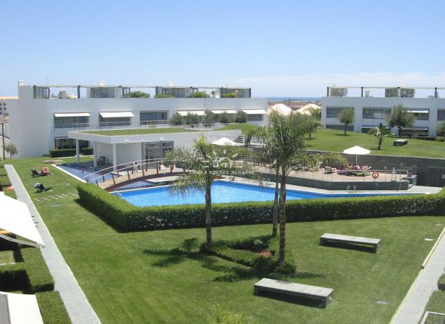 Sole Agency, Luxury townhouse with garage, pool and breathtaking view of Tavira and sea
