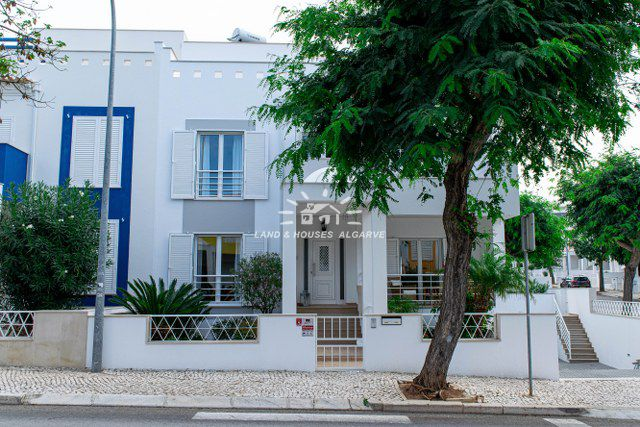 Superb townhouse with garden on best location
