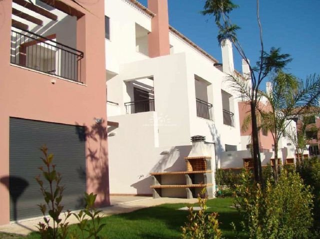 T3 townhouses for sale in picturesque resort at 800m from seafront Cabanas de Tavira