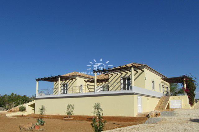 villa with outstanding sea and country view