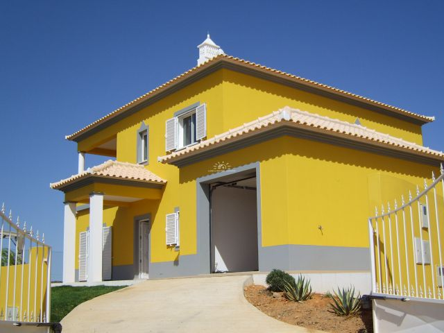 Immaculate villa with garage close to Castro Marim and Altura beach