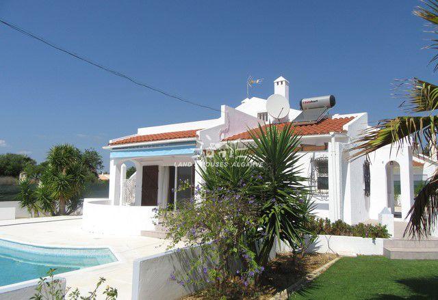 Villa in Südlage mit Pool und Garten nur 5 Min. vom Zentrum Tavira entfernt