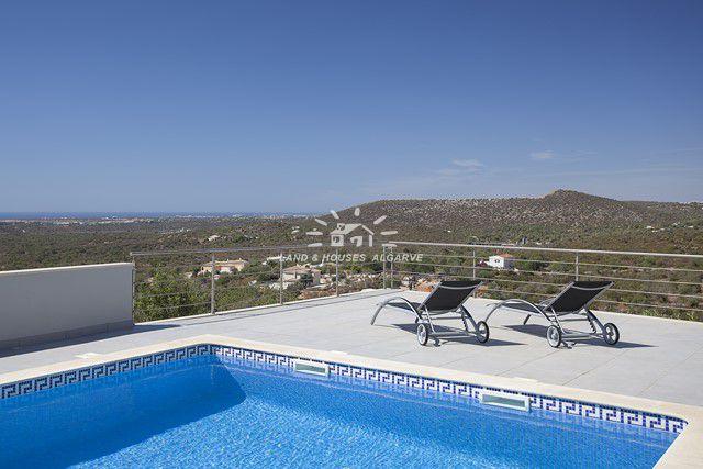 Villa mit beheizbaren Pool und atemberaubende Meerblick in Loule