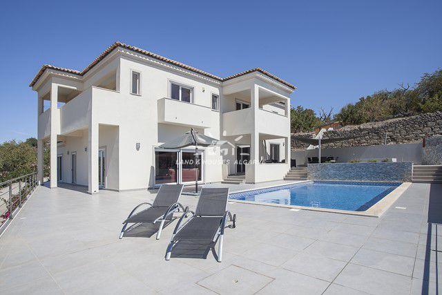 Villa im sonnigen Süden Portugals zu verkaufen