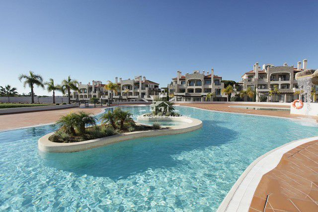 Two bedroom luxury apartments with pool for sale on 5 star Golf Resort in Vilamoura close to beach