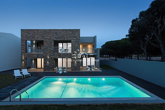 Contemporary villa with pool for sale in quiet urbanisation close to Falesia beach in Albufeira