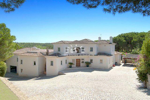 Spacious villa with pool frontline golf course Quinta do Lago
