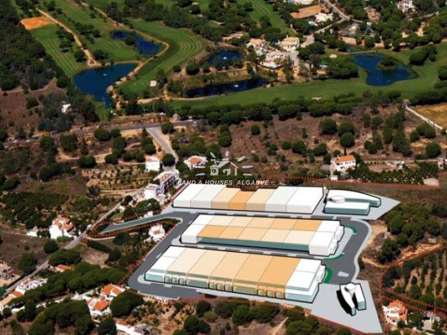 Plot to built commercial property near Quarteira and Vilamoura