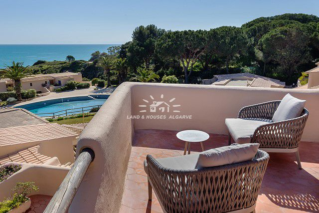 View from apartments with pool and sea view in wellness resort in Armacao de Pera