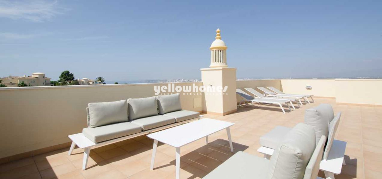 Spacious 3 bed penthouse apartment with stunning...