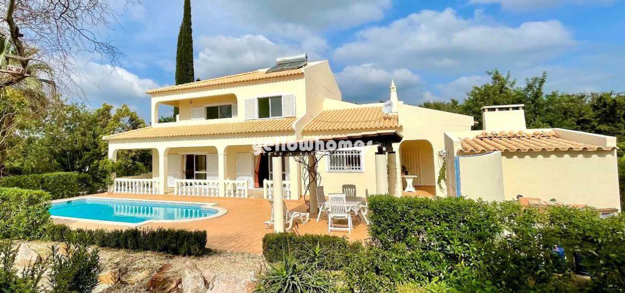 Gepflegte 5 SZ Villa mit Pool, Garage und Tennisplatz bei Boliqueime