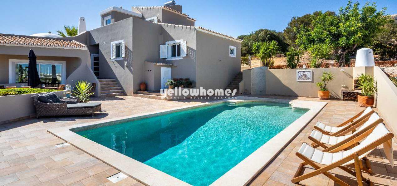 Fantastische 4 Schlafzimmer Villa mit Pool und Weitblick in der...