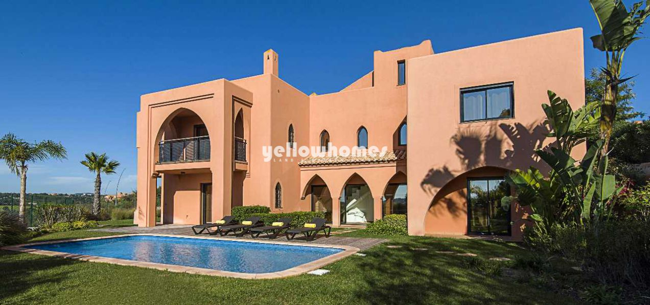 Exceptional 4-bed villas with private garden and...
