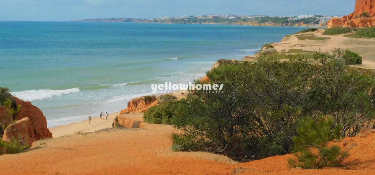 Absolute Gelegenheit: Strandvilla in der Nähe von Olhos de Agua...