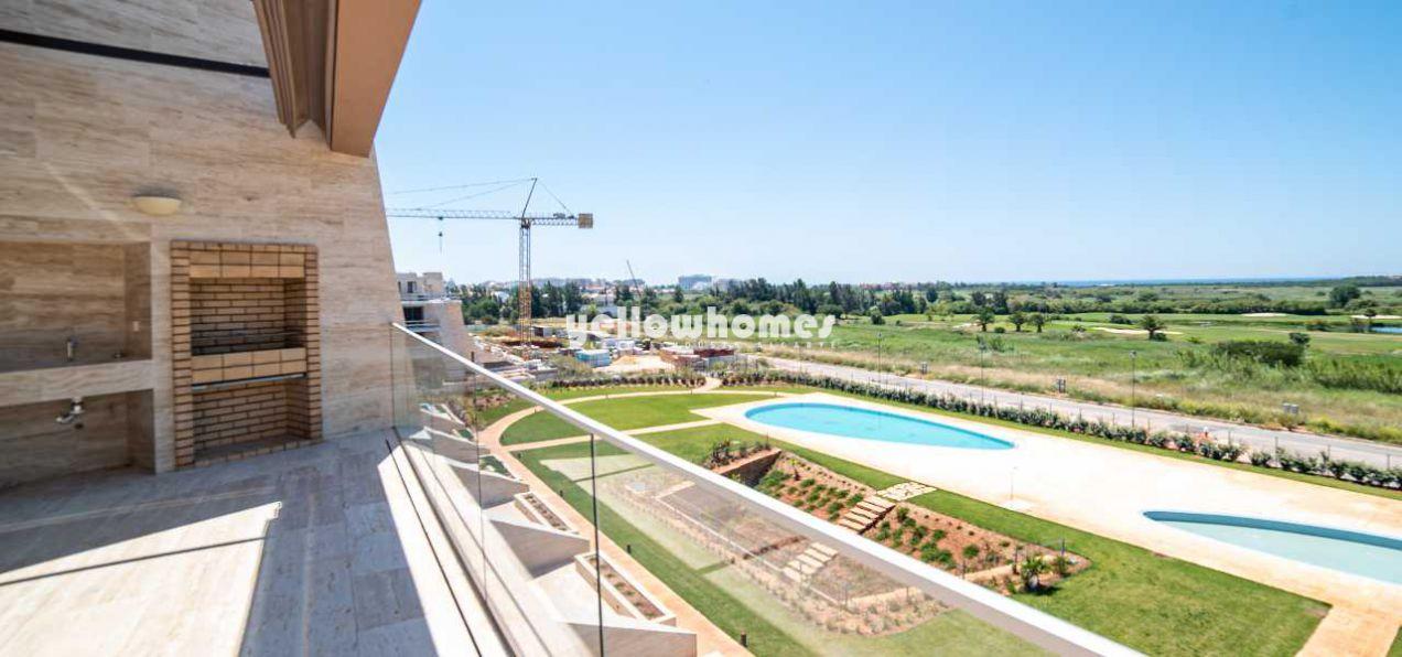 Neubau Penthousewohnung mit traumhaftem Meer und Golfblick in...