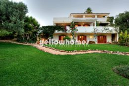 Stunning plot, beautiful villa, amazing views