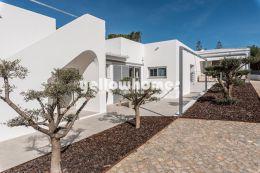 Moderne Luxus Villa mit Gästehaus nahe Vale do Lobo...