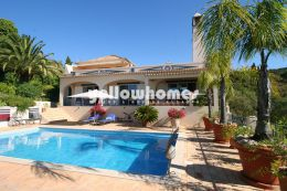 Stunning 3 (+1) bedroom villa with sea views near...
