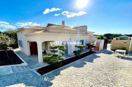 Charming 4 bedroom villa with central heating and...
