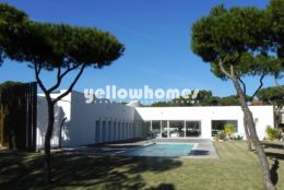Impressive Villa on a large plot in Vilamoura for sale