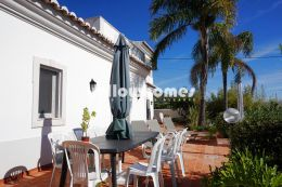 Semi detached 4-bed villa with sea views in Santa Barbara...