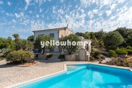 Unique 3 bedroom villa in idyllic location with panoramic...