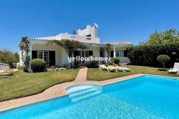 Charmante 4 SZ-Villa bei Vilamoura mit Panorama Meerblick, Pool und Garage