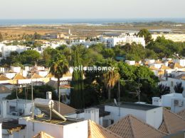 Immaculate 3-bed apartment with sea views in Tavira