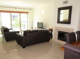 Spacios 2-bed apartment in a quiet residential...