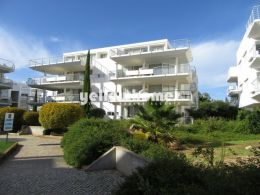 2-bed apartment with sea views in the Golden Club...