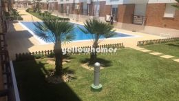Well kept 1-bed apartment with communal pool in...