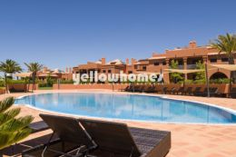 Modern 2-bed apartment in a luxury Golf resort...