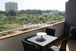 Fully renovated frontline 1-bed apartment only 100...