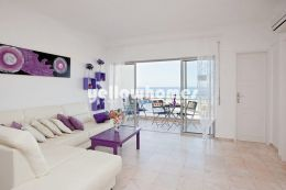 1 bed apartment with amazing sea views only 100 meters...