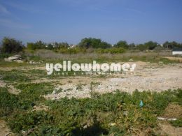 Urban building plot for a very spacious villa with...