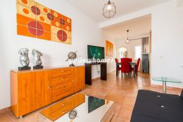 Spacious 2-bed townhouse only few meters away from...