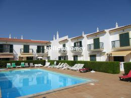 2-bed townhouse with communal swimming pool near...