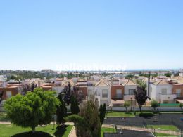 2 bed townhouse wth roof terrace and sea view in...