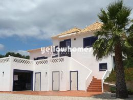 3 bedroom villa in sought-after location with nice views