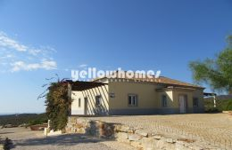 3-bed villa on a large plot with amazing sea-/country...
