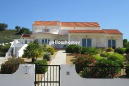 High quality 3-bed villa  in a quiet little village...