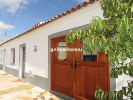 Traditional 3-bed country house in Santa Catarina