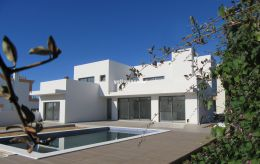 Brand new, contemporary 3-bed villa with hight...