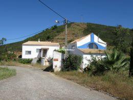 Zwei hübsche Landhäuser mit schöner Aussicht in der Nähe von Tavira