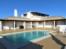 3-bed villa on a large plot with sea views near Santo...