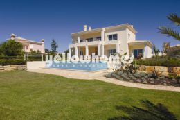 Luxurious Mediterranean style 4 bedroom Villa with pool