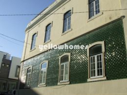 Large Historical urban property in the centre of...